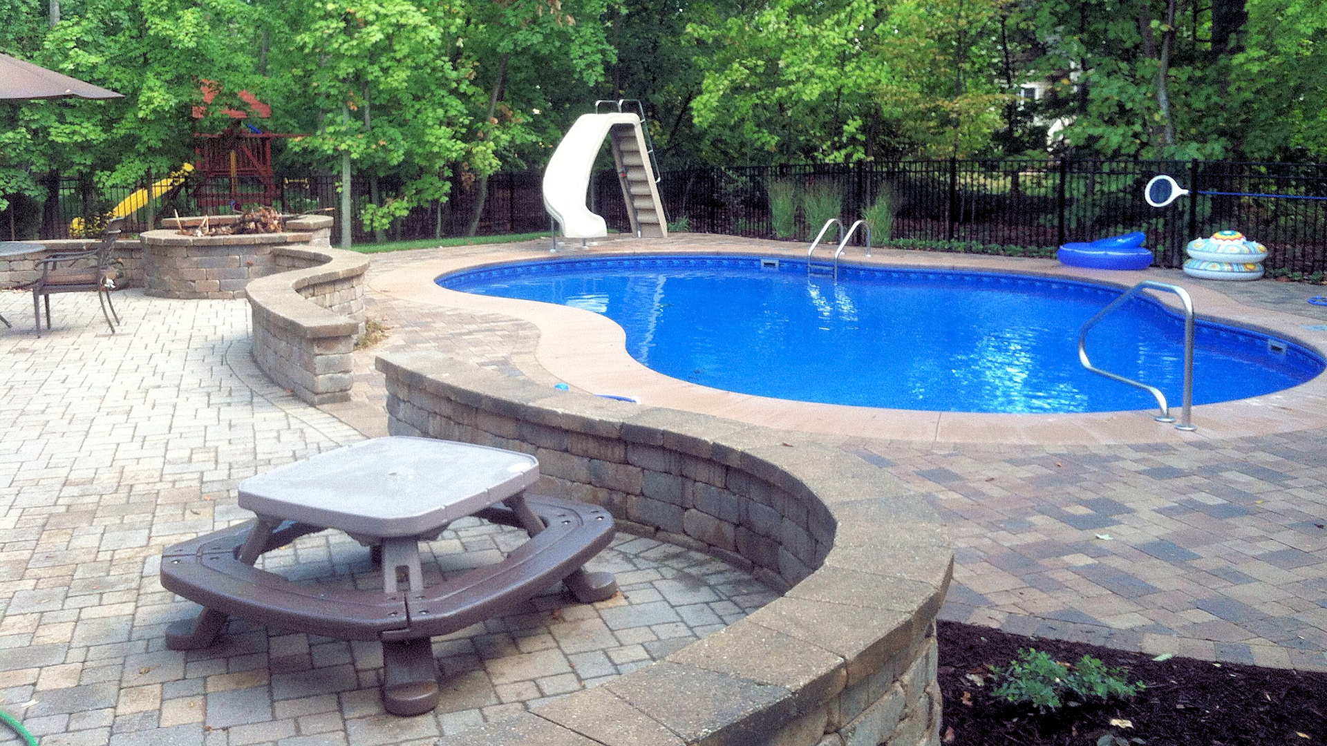Cada Pools And Spas Of St Charles Illinois Pools Spas Outdoor Living Sales Service